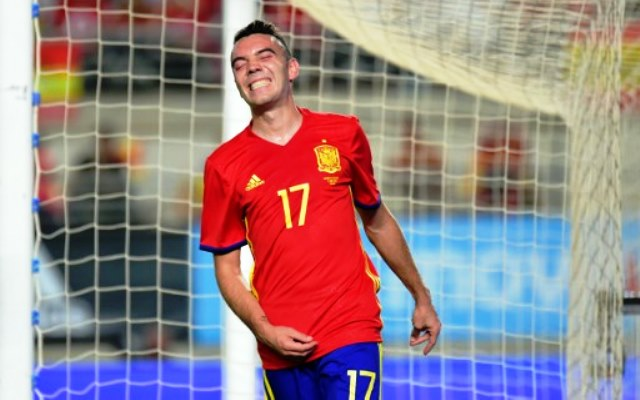 Spain's forward Iago Aspas gestures after missing a goal during the friendly international football match Spain vs Colombia at the Condomina stadium in Murcia on June 7, 2017. / AFP PHOTO / JOSE JORDAN